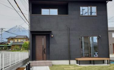 #16 大人かわいい黒塗り壁のお家♪